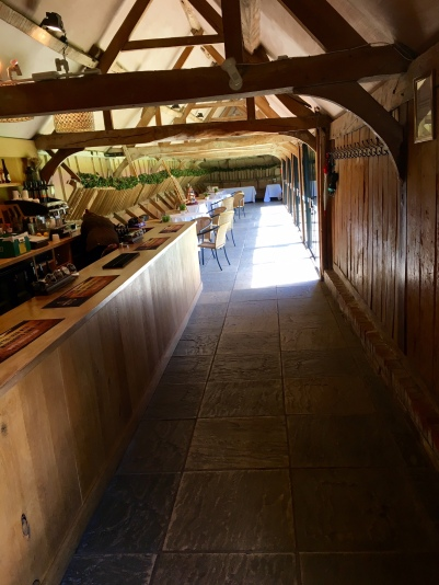 lains-barn-bar-drinks-reception
